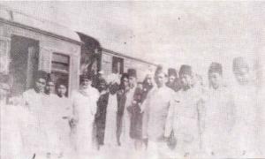1.Mengundang Ahmadiyah ke Nusantara_rahmat ali haot di stasiun kereta api qadian