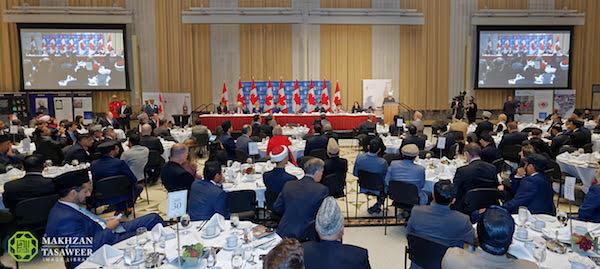 khalifah ahmadiyah di parlemen kanada membahas perdamaian dunia