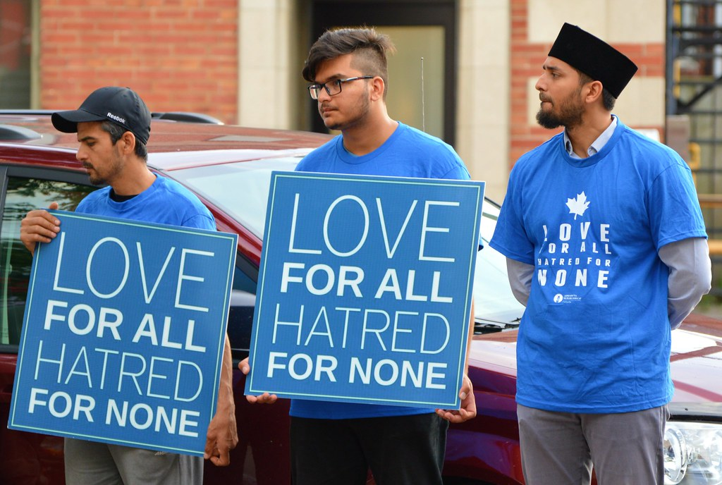islam berteman non-muslim